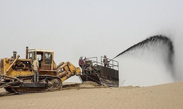 عملیات مالچ پاشی با مجوز محیط زیست است، مالچ مورد استفاده موجب گیاه سوزی نمی گردد