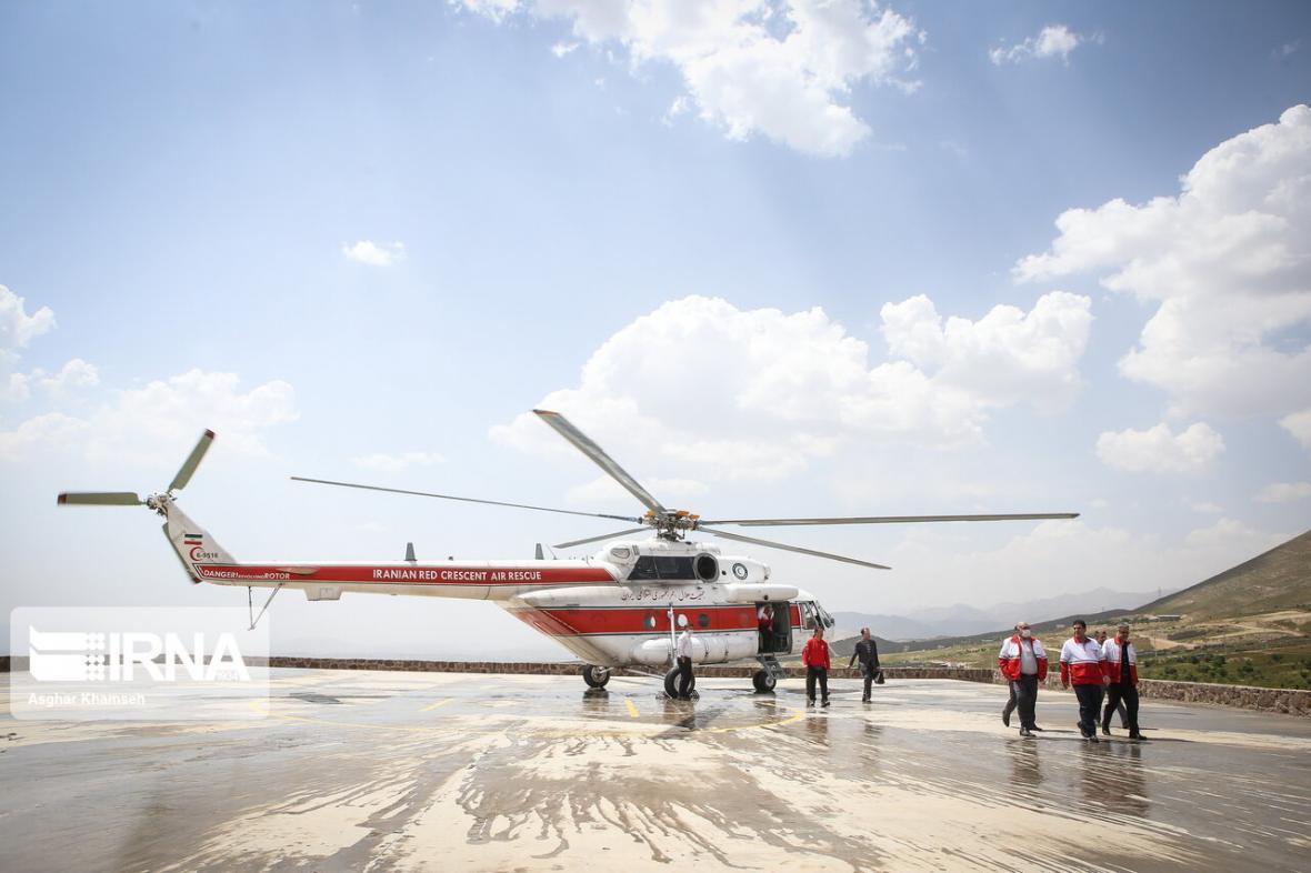 خبرنگاران نجات 2جوان مفقود شده در تیه های ریگان توسط هلال احمر